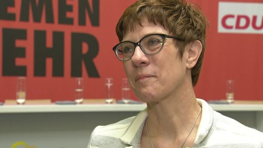 Annegret Kramp-Karrenbauer im Interview.
