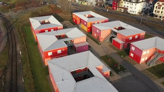 Das Rote-Containerdorf in Walle.